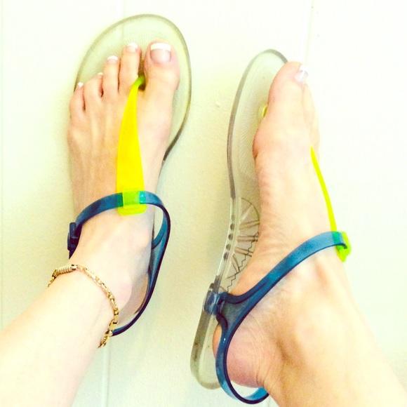 8c601f633 Emporia Armani Jelly Flat Toe sandals 10